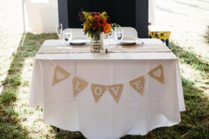 Sweetheart-Table-with-Burlap-Table-Runner-1024x683